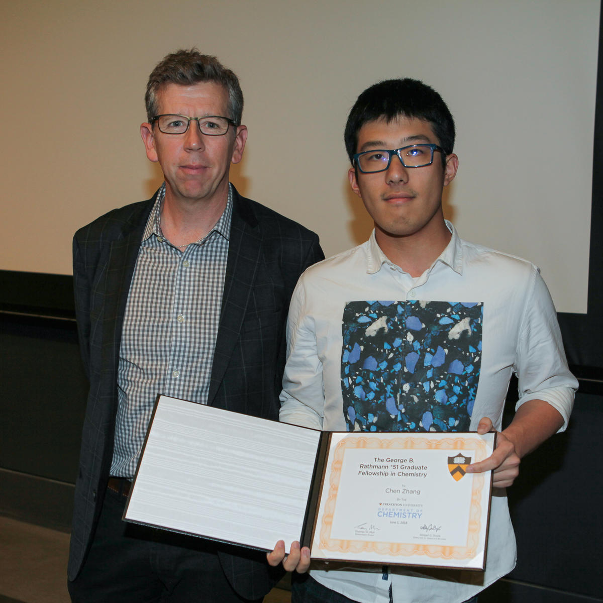 Tom Muir and Chen Zhang (Seyedsayamdost lab), recipient of The George B. Rathmann *51 Graduate Fellowship in Chemistry